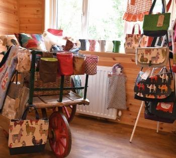 Shop, arts and crafts