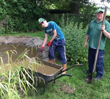 Oak Tree Farm, Horticulture, digging